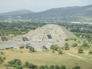 Sobre el espect culo de luz y sonido en la 5 mesa redonda Espectaculo de luz y sonido en teotihuacan