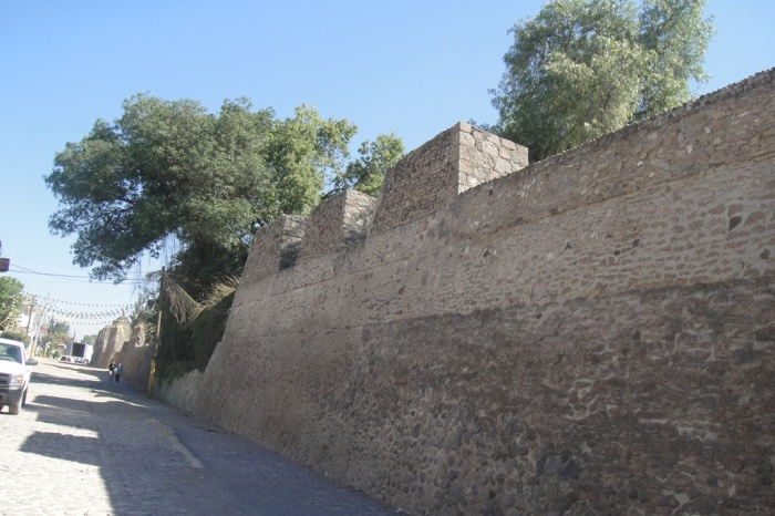 Huexotla_defensive_wall